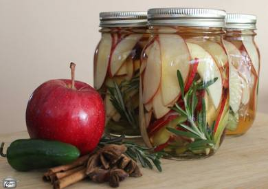 Pickled Apple Slices!