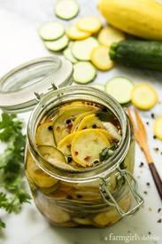 Spicy Squash Refrigerator Pickles!