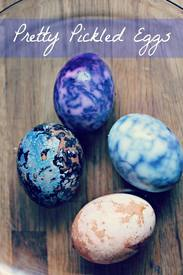 Pretty Pickled Eggs For Easter!