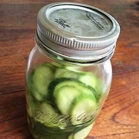 Easy Cucumber Pickles!