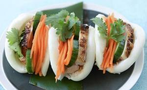 Chicken Steamed Buns With Pickles!