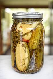 Killer Garlic Spicy Pickles!