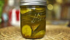 Sweet & Hot Zucchini Pickles!