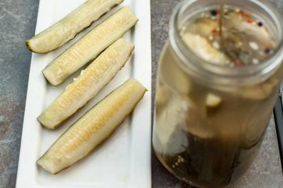 Super Easy Dill Pickles!