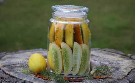 Spicy Fermented Pickles!
