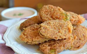 The Best Extra Crispy Fried Pickles!