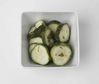 Easy Fridge Dill Pickles!