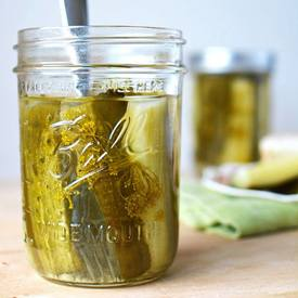 Small Batch Crunchy Dill Pickles!